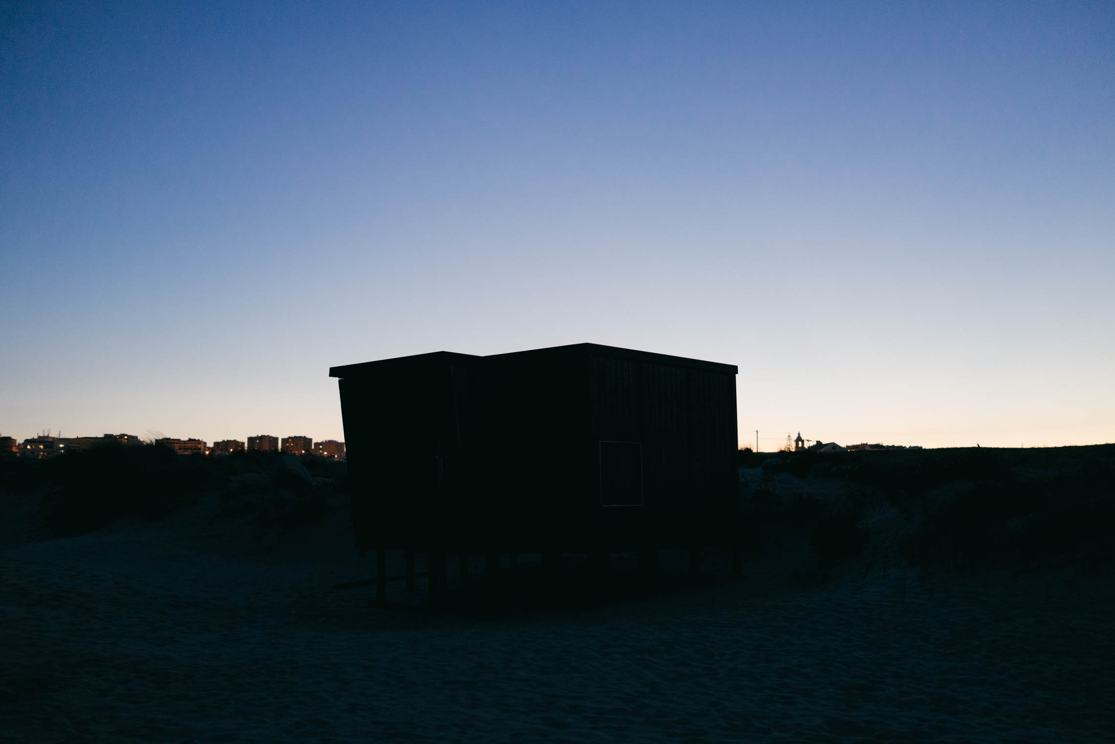 meia-praia-dusk-05@2x